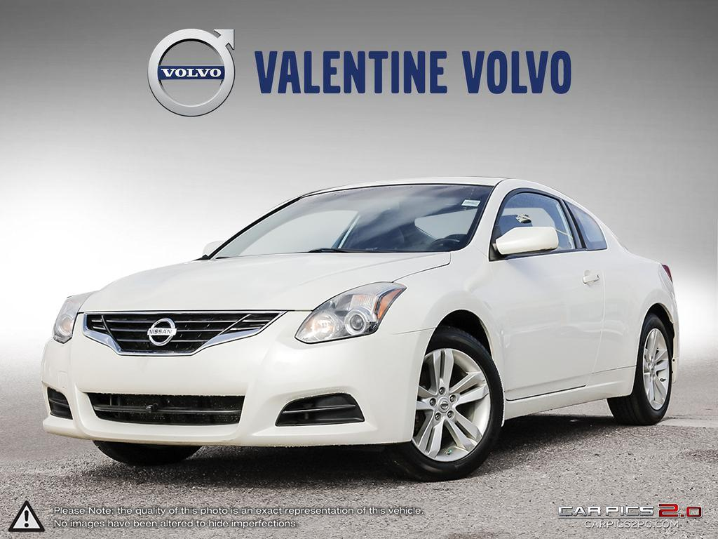 Pre-Owned 2013 Nissan Altima Coupe 2.5 S CVT