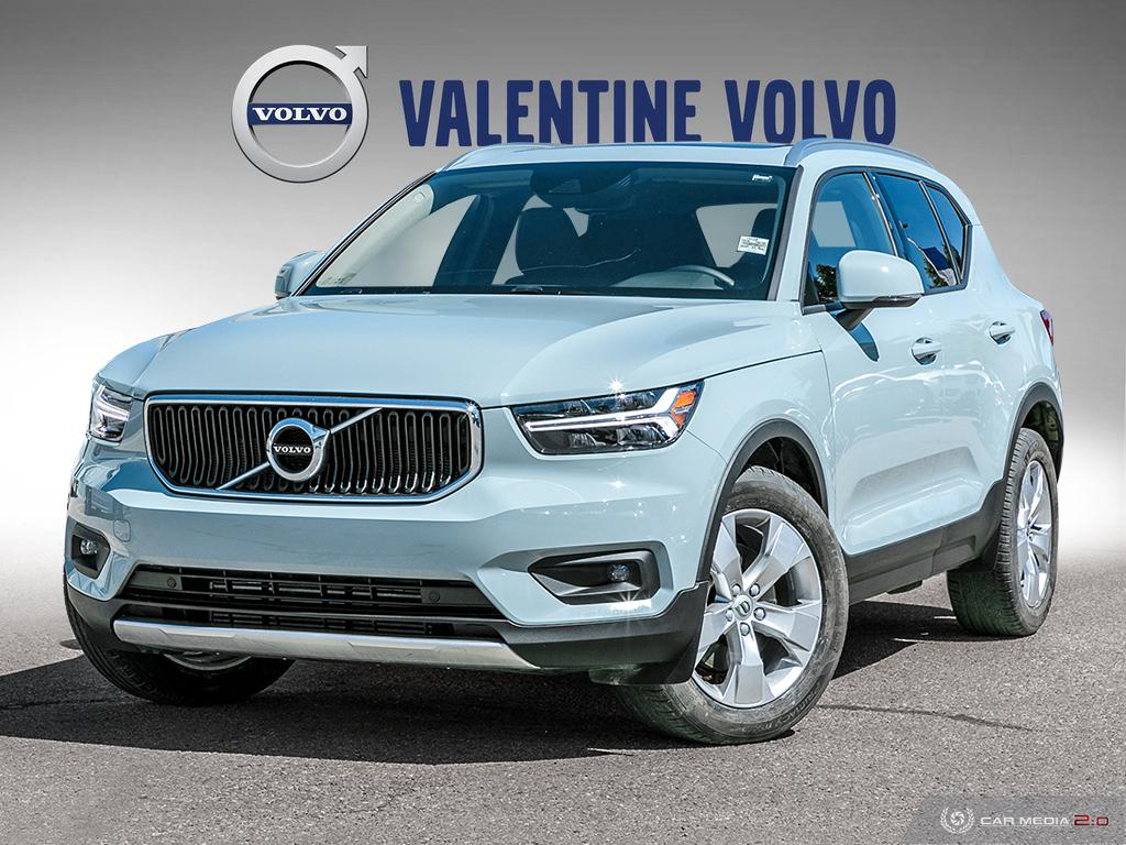 Certified Pre-Owned 2019 Volvo XC40 T5 AWD Momentum